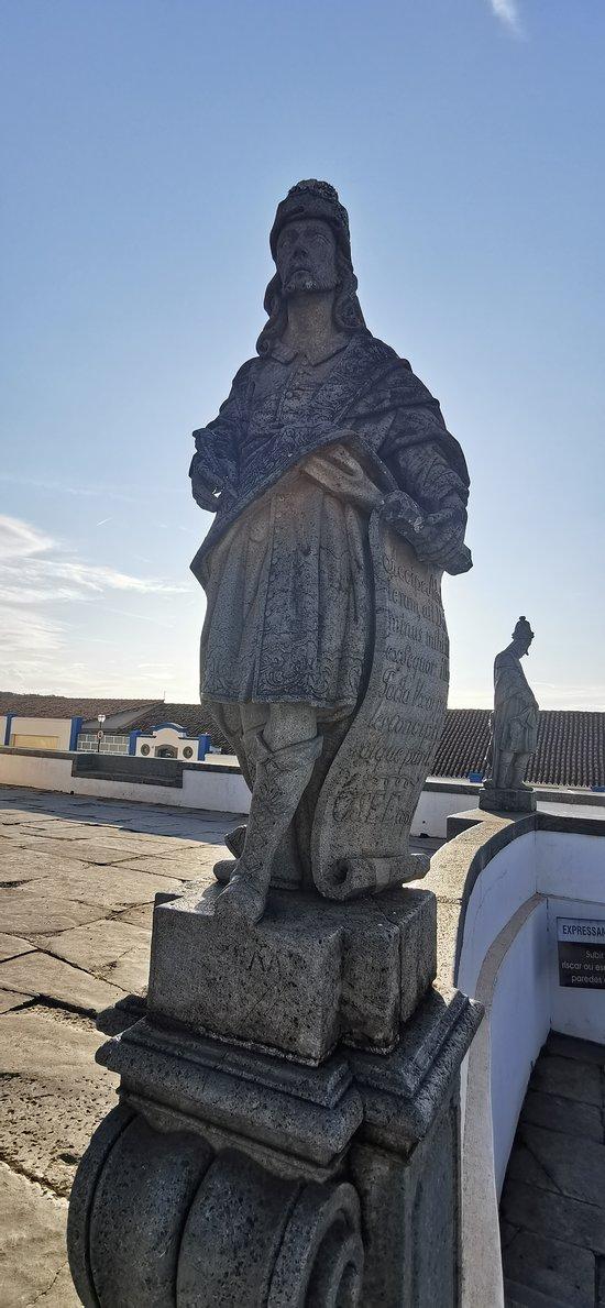 Estátua em pedra-sabão do Profeta Oséias