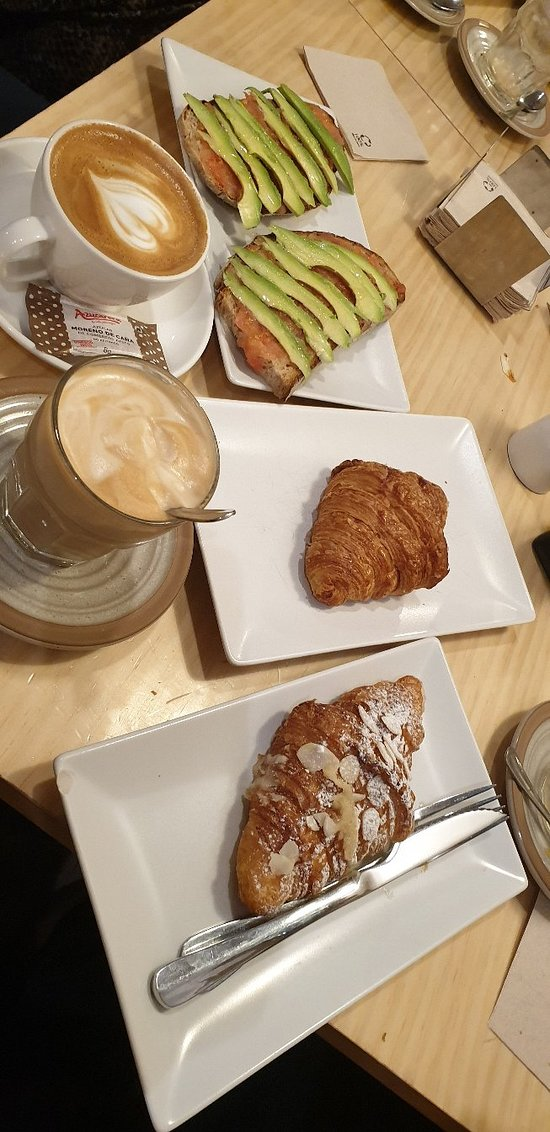 Estupendo desayuno en familia