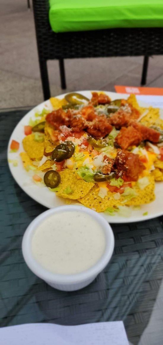 buffalo nachos
