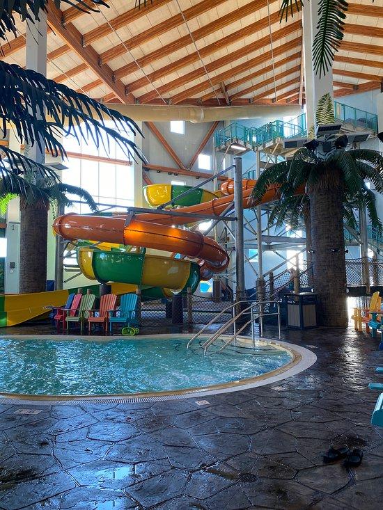 Parrot Cove Indoor Waterpark Garden, Indoor Swimming Pool Garden City Ks