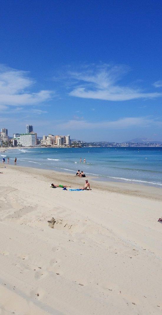 Playa La Fossa (1 minute walk from Olas de Zen)