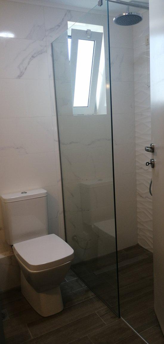 Bathroom apartment 35