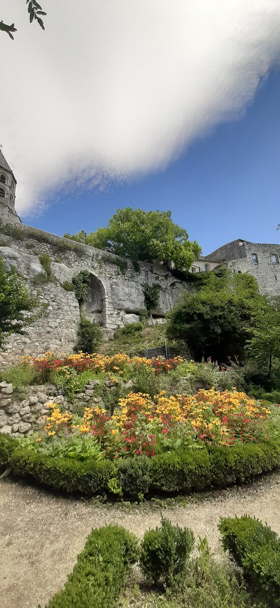 Jardin Des Herbes La Garde Adhemar 2020 All You Need To Know Before You Go With Photos Tripadvisor