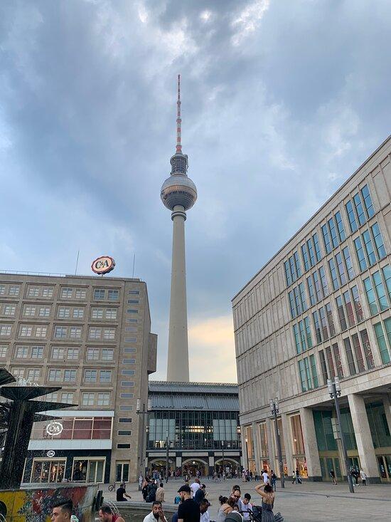 Alexanderplatz Berlin 2020 All You Need To Know Before You Go With Photos Berlin Germany Tripadvisor