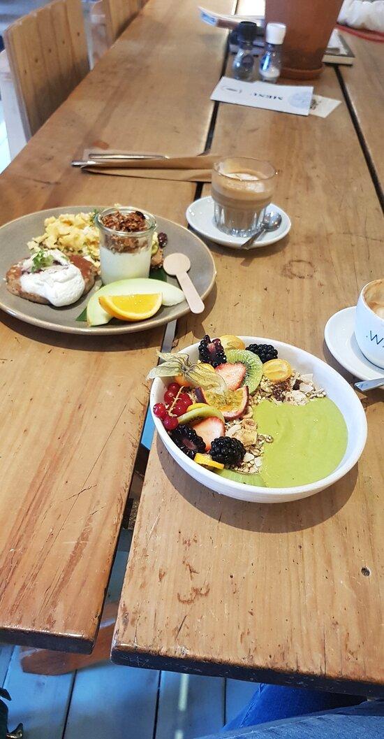 Green coconut bowl & CC Full breakfast