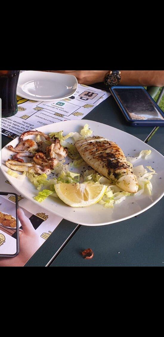 Muy buen aperitivo/comida en la terraza