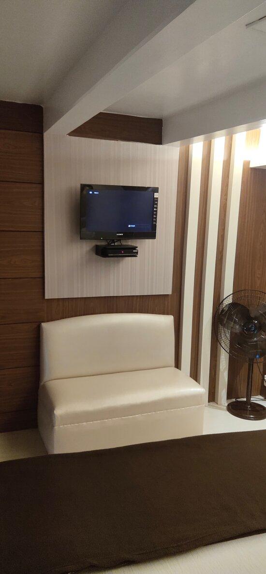 Deluxe Room AC