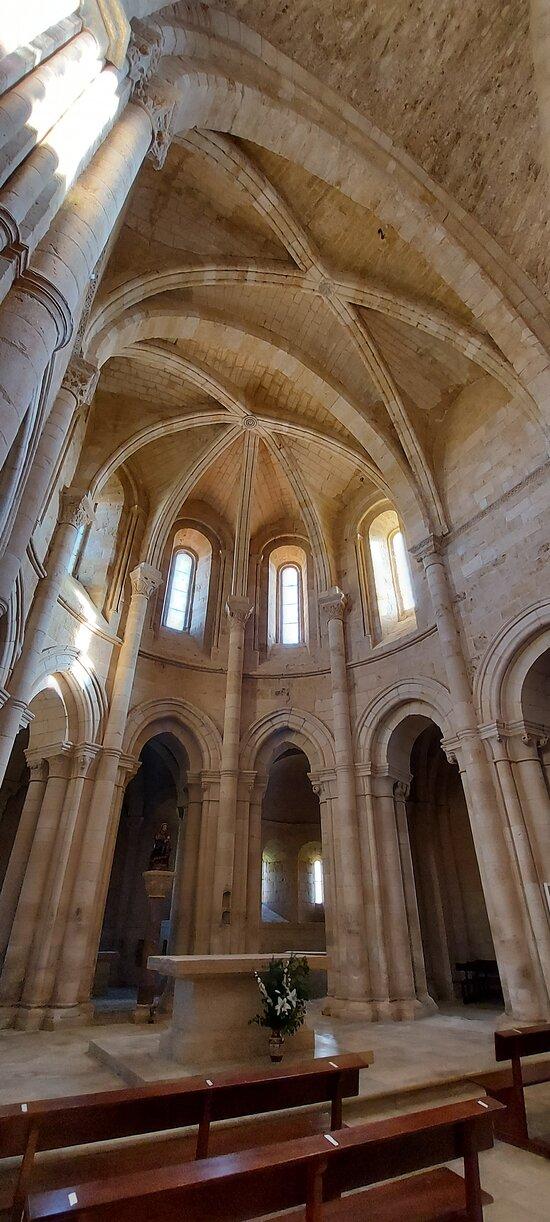 Monasterio Santa Maria La Real de Gradefes