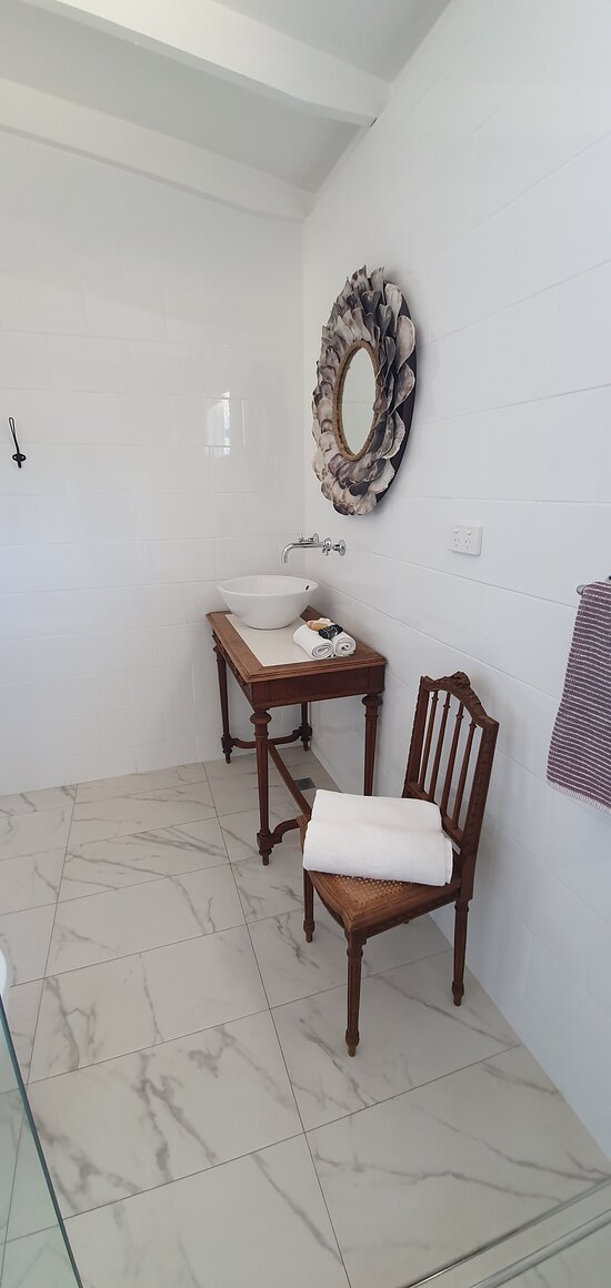 King Shack bathroom