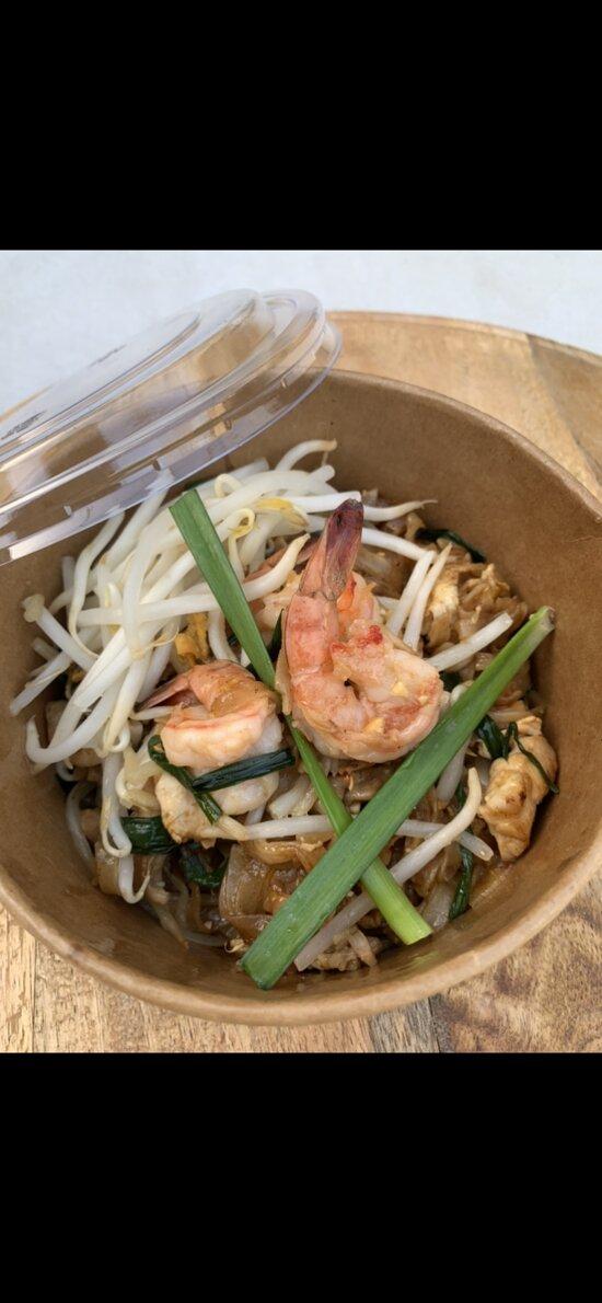 Le pad thaï (Pâtes de riz sautée spécial maison) bientôt disponible sur notre nouvelle carte by Bouddha palace !