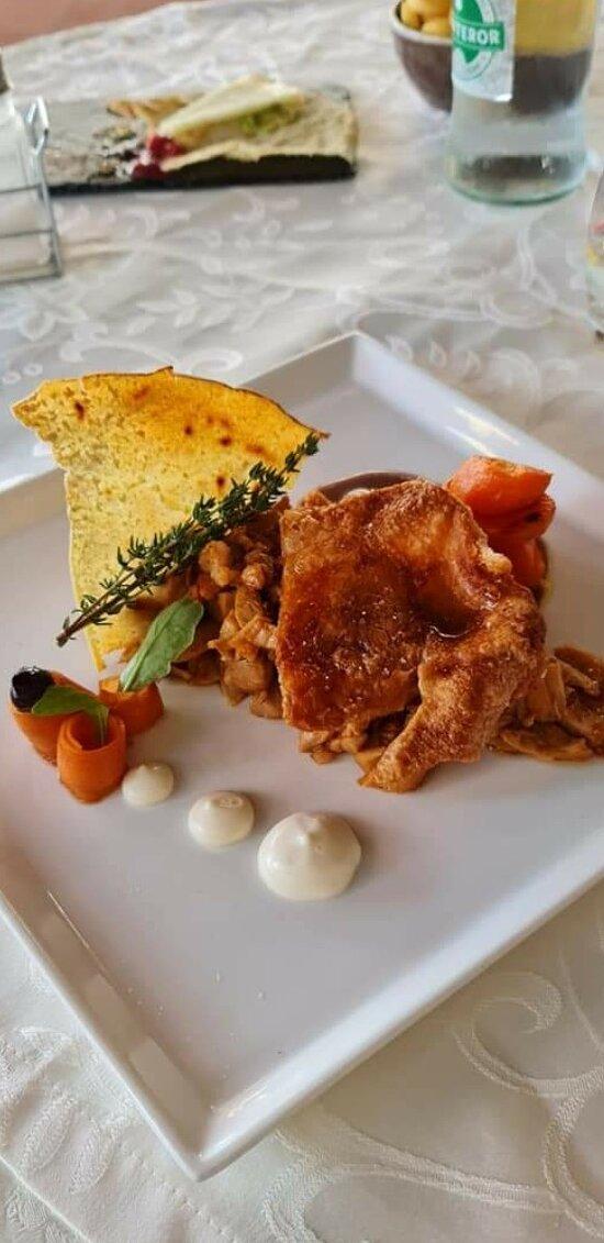 Roasted piglet (porceddu sardo)