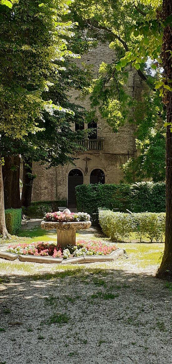 Rocca dei Rossi di San Secondo - il cortile interno