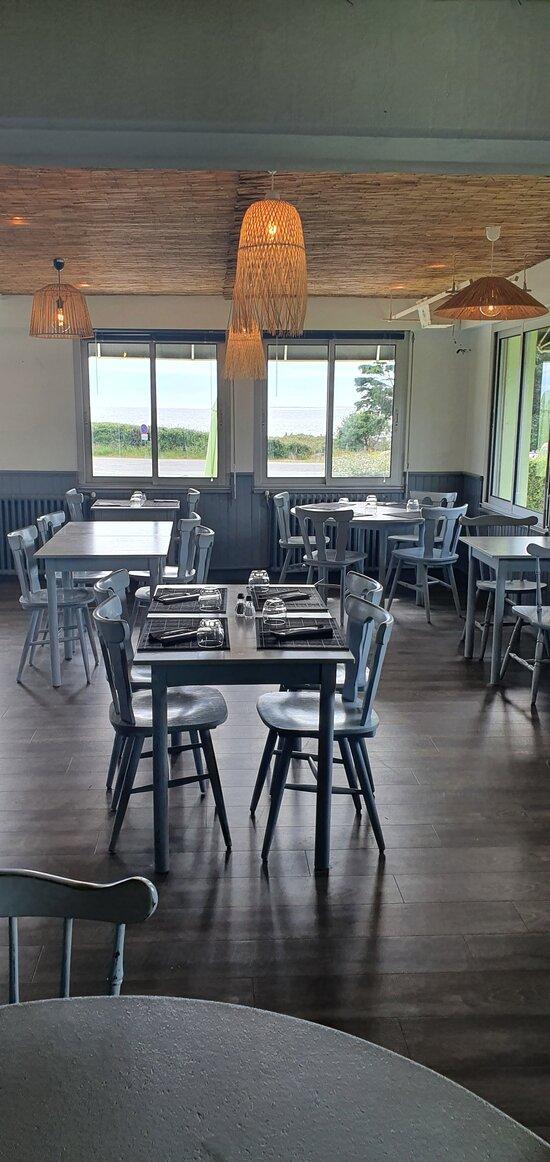 """Vue sur mer de la salle de notre restaurant à l'esprit """"Cabane du pêcheur"""""""