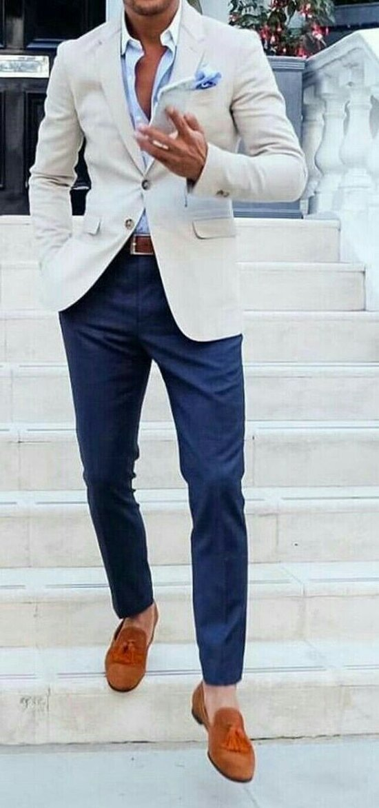 Trendy casual Jacket to wear with contrast pants and jeans.