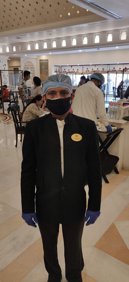 Good Leader - Manager Hero Bhola ji at the Jal Mahal Restaurant