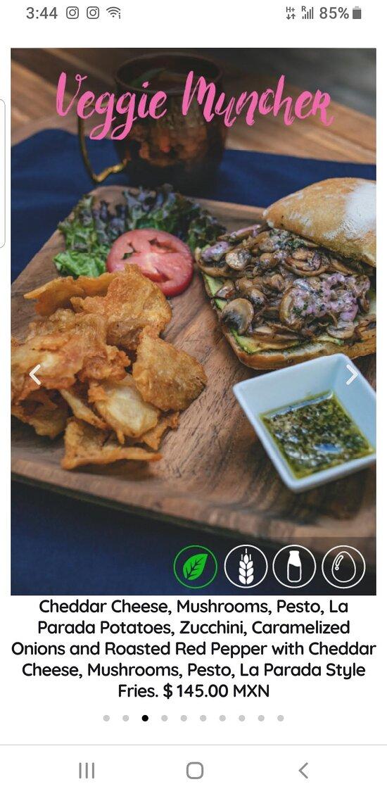 Online menu item Veggie Muncher, with ingredients, at La Parada, Calle Recreo 94, Zona Centro, San miguel de Allende 37700