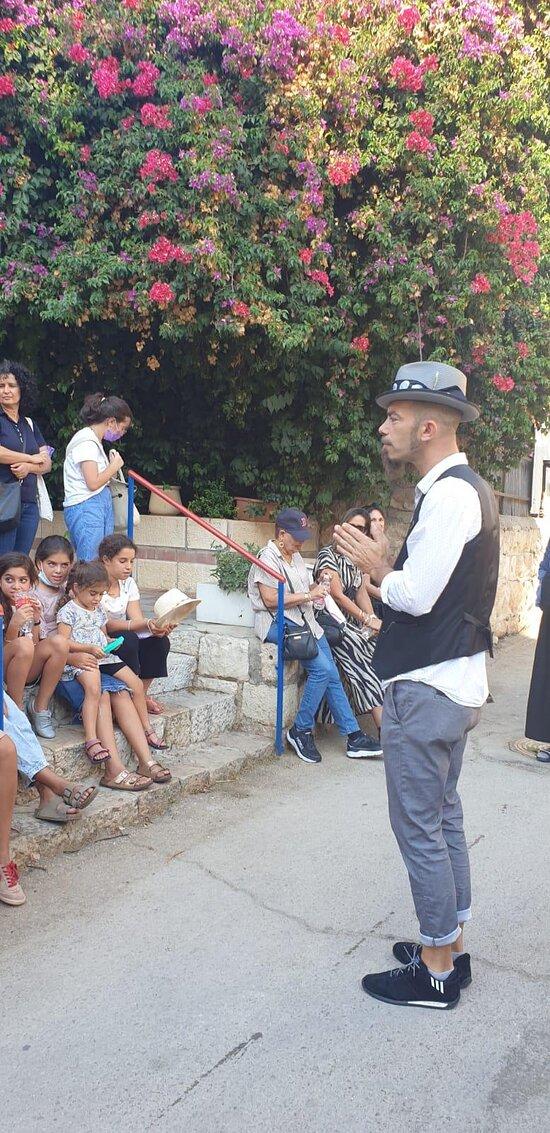 סיור מרתק במחנה יהודה