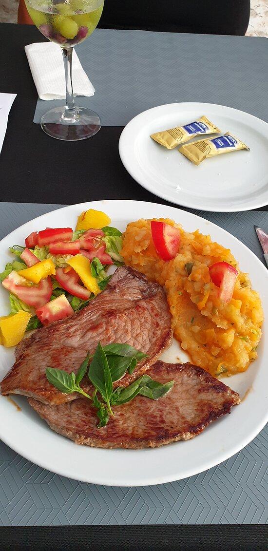 Essen im Restaurant Max