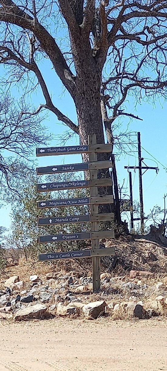 Castle corner signs to lodges
