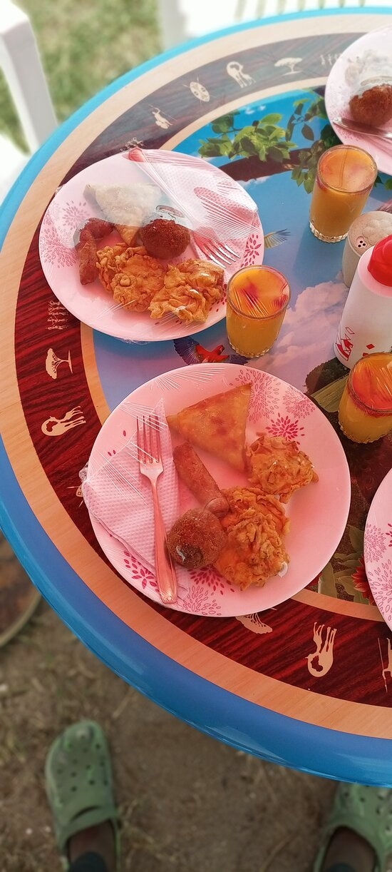 Breakfast includes samosas, 'bhajias', sausages, fresh juice and the best African Tea.