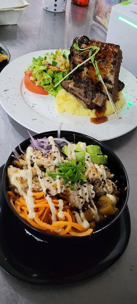 Dinner time El Manglar Jaco Beach