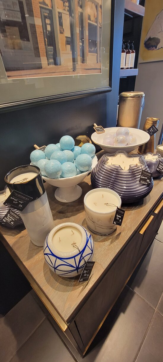 Some of the biggest candles in our store, giving you over 100 hours of burning time a piece!