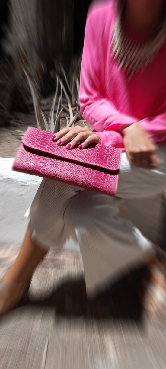 Women's leather fashion bags in many colours and styles