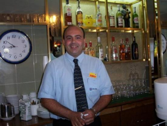 MedPlaya Hotel Esmeraldas: this is the bar manager
