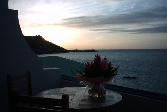 Le Petit Hotel: Sunset view from balcony