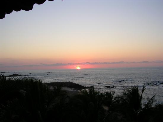 Four Seasons Resort Punta Mita: Daily sunset from room