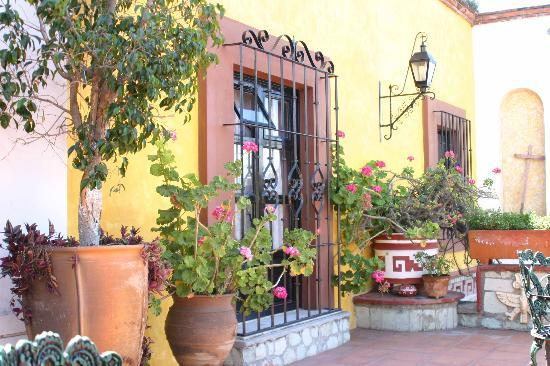 Hotel Casa Arnel: Patio Casa Arnel