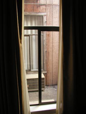 City Center Inn & Suites - San Francisco: View out window