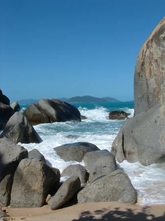 The Baths : Granite formations on the beach
