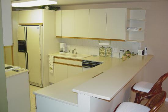 Pelican Cove Condos: Pelican Cove - Kitchen w/ Breakfast Bar