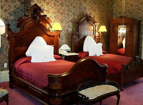 Waverley Inn: Larger Twin Guest Room