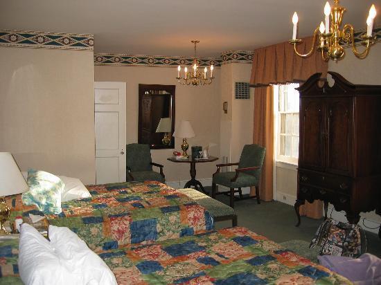 Hawthorne Hotel: Room