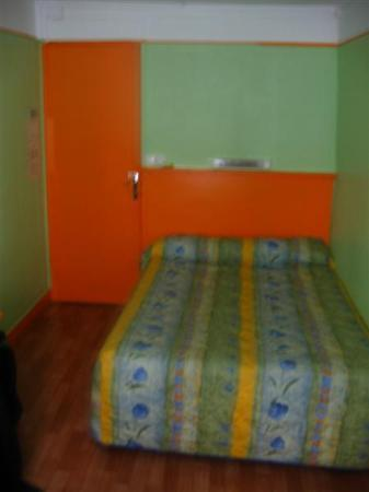Hotel du Commerce: Our room.