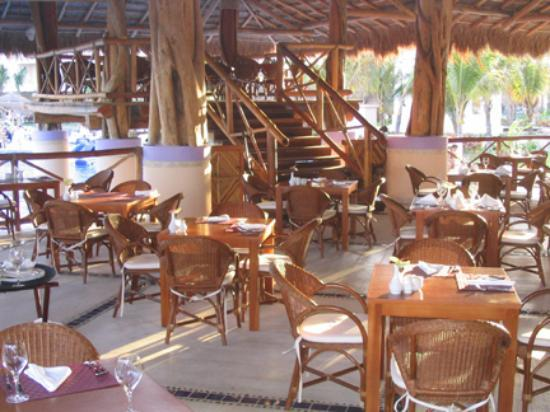 Excellence Riviera Cancun: One of the ocean front restaurants (a la carte)