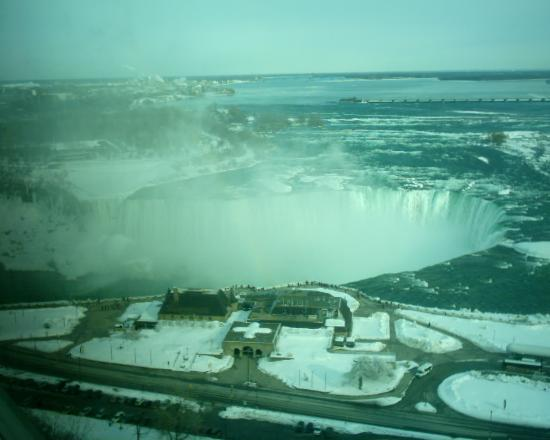 Embassy Suites by Hilton Niagara Falls Fallsview Hotel : View from our room