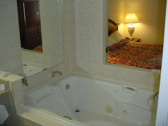 Whirlpool Tub In The Marriott Hotel Picture Of Niagara