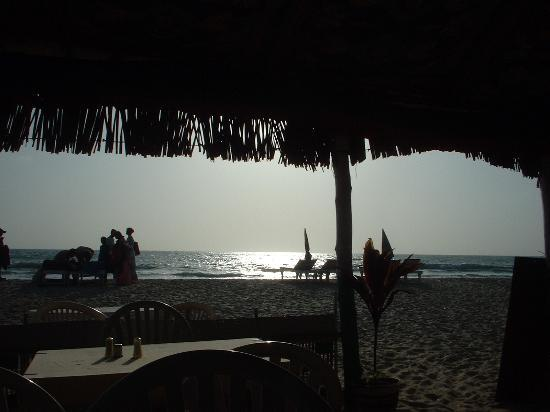 Taj Exotica Goa: 5pm, Zumbrai`s shack. Time for a beer!