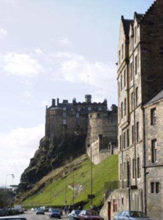 Apartment By Castle: Apartment from street level with Edinburgh Castle beyond