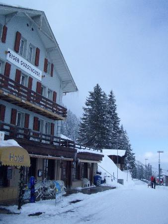 Eiger Guesthouse: Eiger Guesthouse (yes, balconies!)