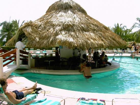 Playa Suites Acapulco: pool bar