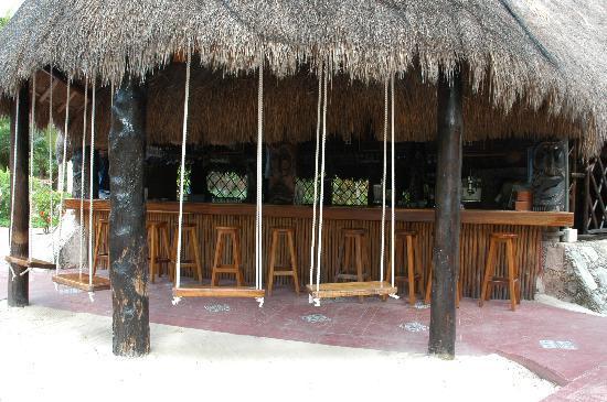 Mahekal Beach Resort: Bar