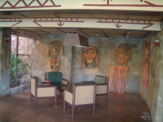 Samburu National Reserve, Kenya : Quite Rest Area by Pool