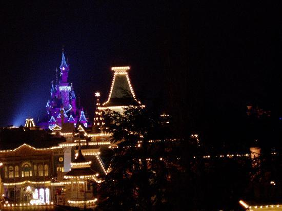 Disneyland Hotel : View from small balcony
