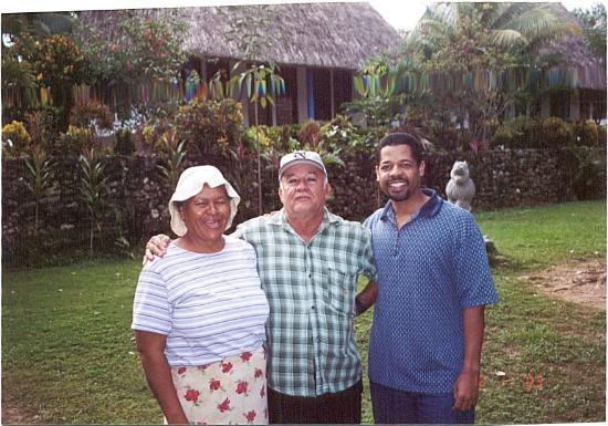 Crystal Paradise Resort: Mr. and Mrs. Victor Tutu and guest