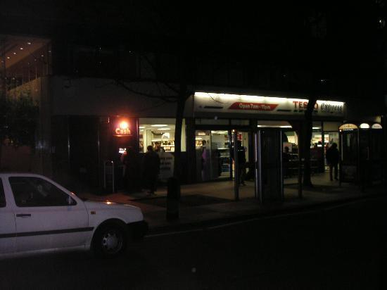 Tavistock Hotel: The Tesco.just in front of the tube stop.
