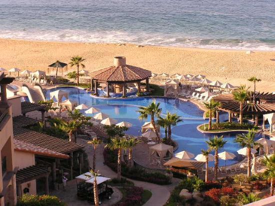 Pueblo Bonito Sunset Beach Golf & Spa Resort: just part of the pool
